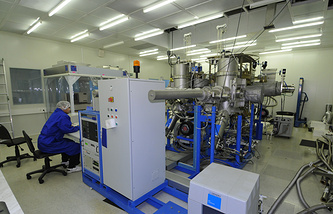 Промышленная установка для изготовления лазерных и транзисторных структур