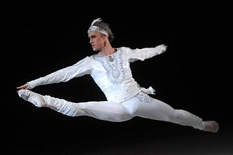 Артист балета Игорь Зеленский