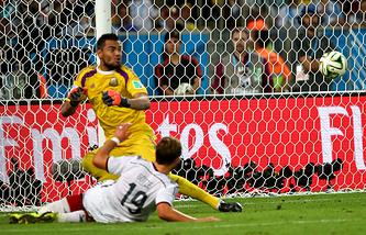 Мяч, забитый Марио Гетце, принес сборной Германии победу на ЧМ-2014