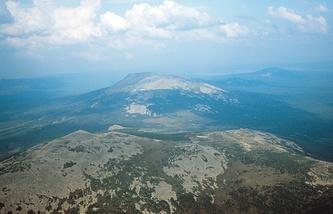 Вид на хребет Нургуш (Челябинская область)