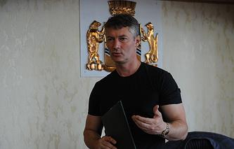 Евгений Ройзман в рабочем кабинете