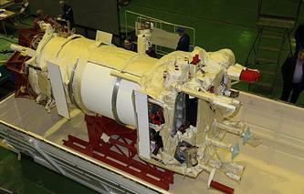 """Проверки КА """"Метеор-М"""" №2 в барокамере на герметичность. Апрель 2014 года"""