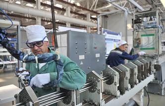 Производственная линия на Новосибирском заводе химконцентратов