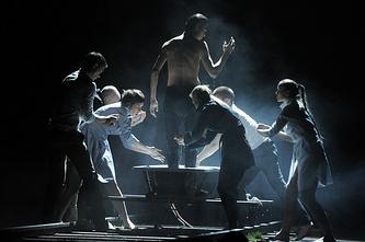 """Сцена из представления """"00:00"""", 2013 год"""