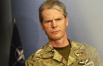 Заместитель верховного главнокомандующего Объединенными вооруженными силами НАТО в Европе британский генерал сэр Адриан Брэдшоу