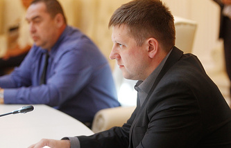 Премьер-министр ЛНР Игорь Плотницкий и председатель Верховного совета ЛНР Алексей Карякин (слева направо)