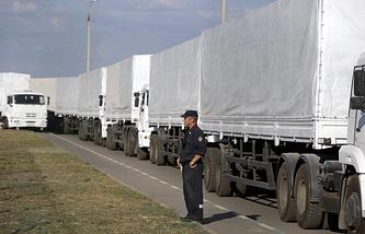Автоколонна с гуманитарной помощью, август 2014 года