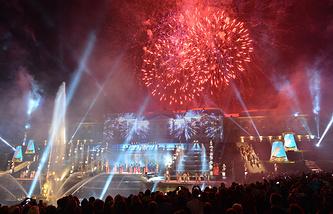 Праздник закрытия фонтанов в ГМЗ Петергоф