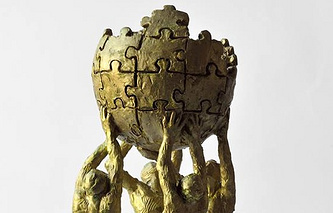 Фрагмент макета памятника Википедии скульптора  Михрана Акопяна