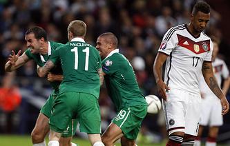 Сборная Ирландии в матче с командой Германии