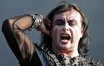 Солист группы Cradle Of Filth. Архив