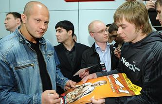 Федор Емельяненко (слева)