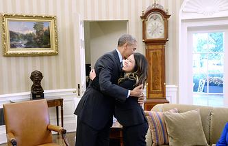 Президент США Барак Обама и медсестра Нина Фэм