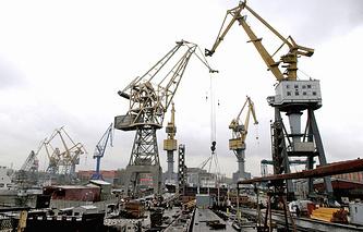 Вид на стапель Балтийского завода