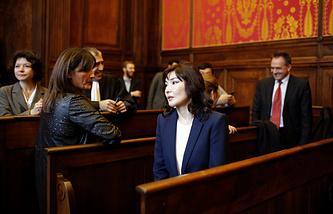 Жена Мухтара Аблязова Алма Шалабаева в зале суда города Лиона перед слушанием по делу об экстрадиции Аблязова