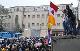 Во время освобождения из-под стражи сторонников федерализации Украины, 4 мая