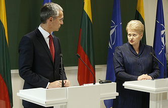 Глава НАТО Йенс Столтенберг и президент Литвы Даля Грибаускайте