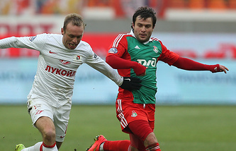Алан Касаев (справа)