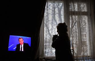 Во время телетрансляции интервью Дмитрия Медведева 6 декабря 2013 года