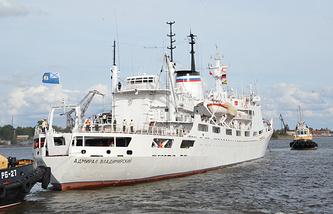 "Судно ""Адмирал Владимирский"", Кронштадт, 18 августа 2014 года"