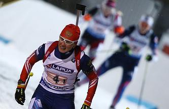 Российская биатлонистка Яна Романова на дистанции смешанной эстафеты на чемпионате мира