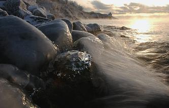 Берег байкальского острова Ольхон