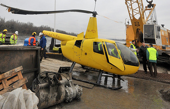 Архив. Вертолет Robinson-44