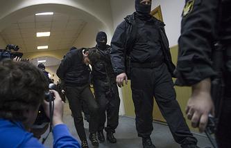 Заур Дадаев перед рассмотрением ходатайства об аресте в Басманном суде