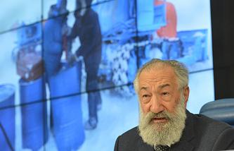Представитель президента РФ по международному сотрудничеству в Арктике и Антарктике Артур Чилингаров