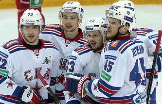 Игроки СКА Артемий Панарин, Вадим Шипачев, Евгений Дадонов и Андрей Кутейкин