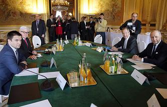 """Париж, 24 февраля. Министры иностранных дел стран """"нормандской четверки"""" во время очередной встречи по ситуации на Украине"""