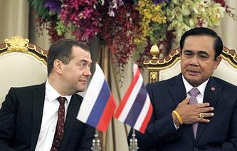 Встреча премьер-министра России Дмитрия Медведева с премьер-министром Таиланда Праютом Чан-Очой