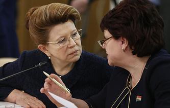 Людмила Берлина (слева)