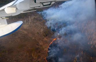 Тушение пожара с самолета-амфибии Бе-200