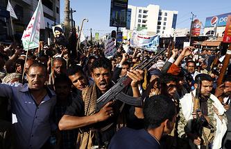 Акции сторонников хуситов против авиаударов международной коалиции по Йемену в Сане
