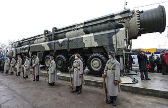 """Пусковая установка подвижного грунтового ракетного комплекса """"Тополь"""""""