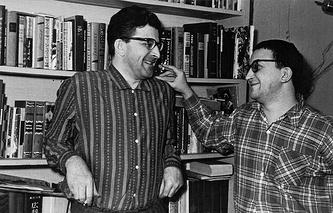 Писатели Аркадий и Борис Стругацкие