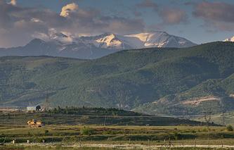 Южная Осетия. Вид на один из районов Цхинвали.