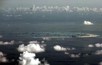Вид на Южно-Китайское море с самолета