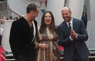 """Актеры Джуд Лоу, Мелисса Маккарти и Джейсон Стэтхэм на премьере фильма """"Шпион"""" в Лондоне"""