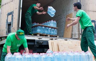Доставка питьевой воды для лечащихся в районной больнице Алагира