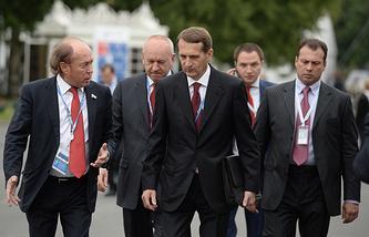 Спикер Госдумы РФ Сергей Нарышкин (в центре)