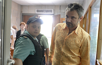 Дмитрий Лошагин (справа) в Октябрьском районном суде