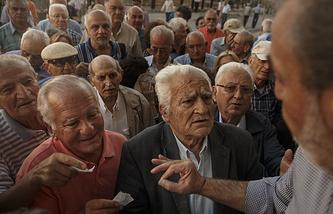 Очередь у банка в Афинах, 1 июля 2015 года