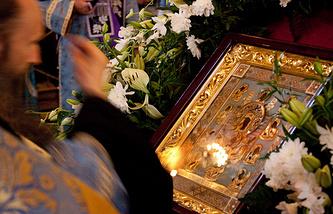 """Чудотворная Курская Коренная икона Божией Матери """"Знамение"""" в Храме Христа Спасителя"""