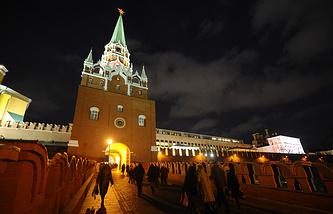 Вид на Троицкую башню Кремля