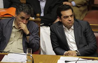 Министр финансов Греции Эвклидис Цаколотос и премьер-министр Греции Алексис Ципрас