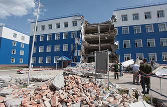 На месте обрушения здания в 242-м учебном центре ВДВ в поселке Светлый