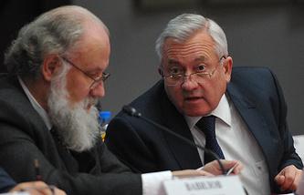 Председатель ЦИК Владимир Чуров и заместитель руководителя ЦИК России Леонид Ивлев