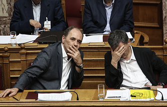 Министр экономики Греции Георгиос Стасакис и министр финансов Греции Эвклидис Цакалотос